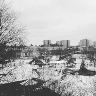 Sne  Nu et det blevet vinter i madsbyparken og vi er i gang med at gre klar til vinterferien Vi holder ben hele uge 7  madsbylegepark vinter sne r2017 fredericia vinterferieomlidt koldt flotvejr snevejr