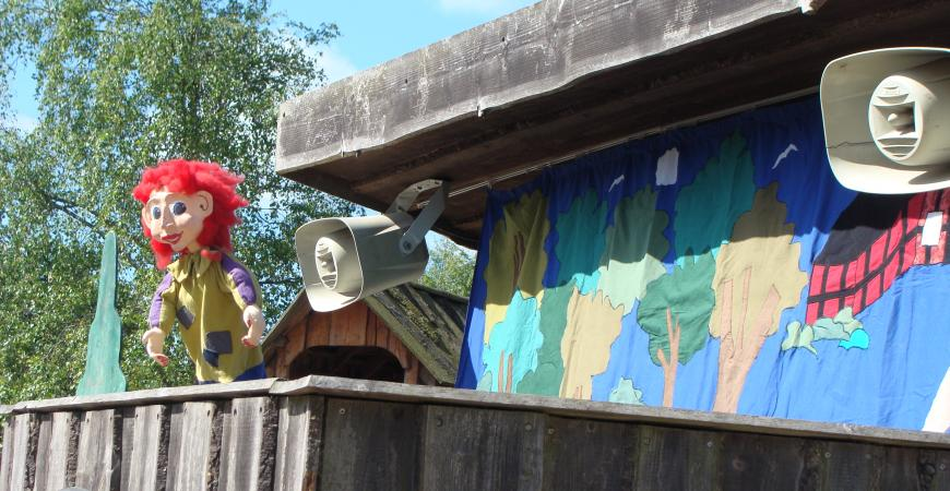 dukketeater scenen