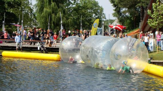 Waterballs i Madsby Legepark